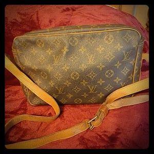 Authentic Louise Vuitton Vintage carrying bag